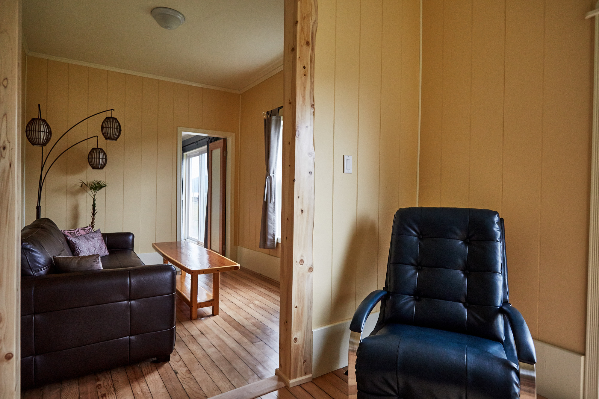 Cassiar Cannery - Halibut House-contemplation chair to TV room