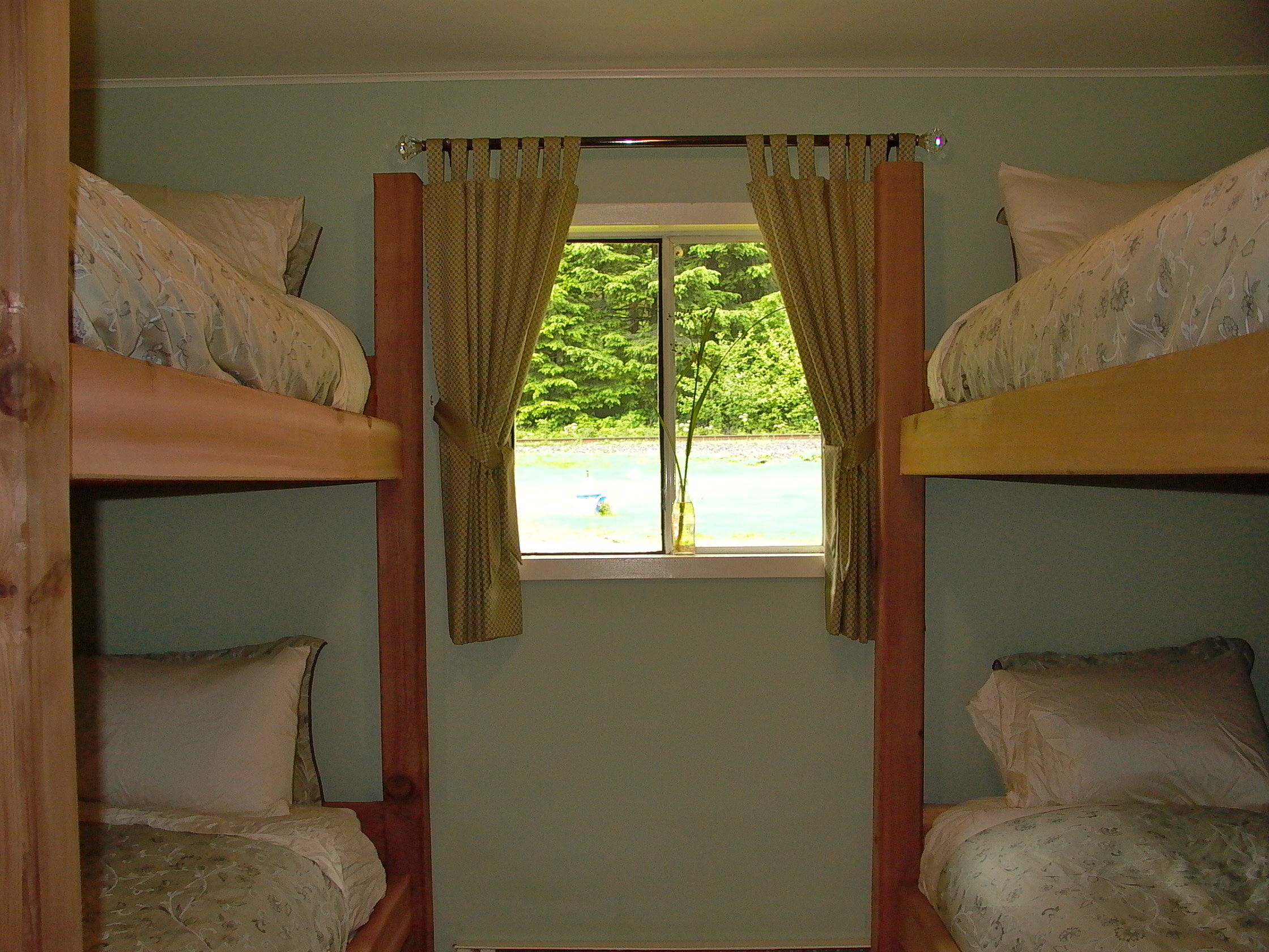 Cassiar Cannery - Steelhead House - second bedroom with two sets of twin bunk beds