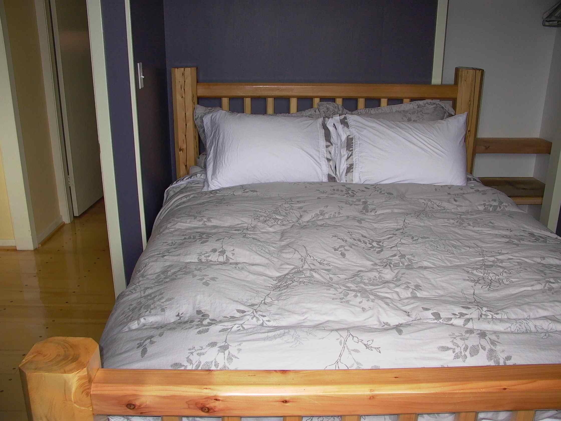 Cassiar Cannery - Steelhead House - queen bed in master bedroom